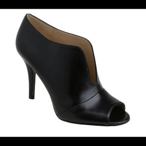 Nine West ankle booties! Artissa sz 9.5
